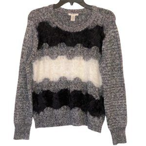 🆕Westbound Wavy Blk, Wht & Gray Sweater size PS